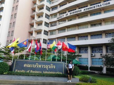 Menengok aktifitas mahasiswa di Thailand