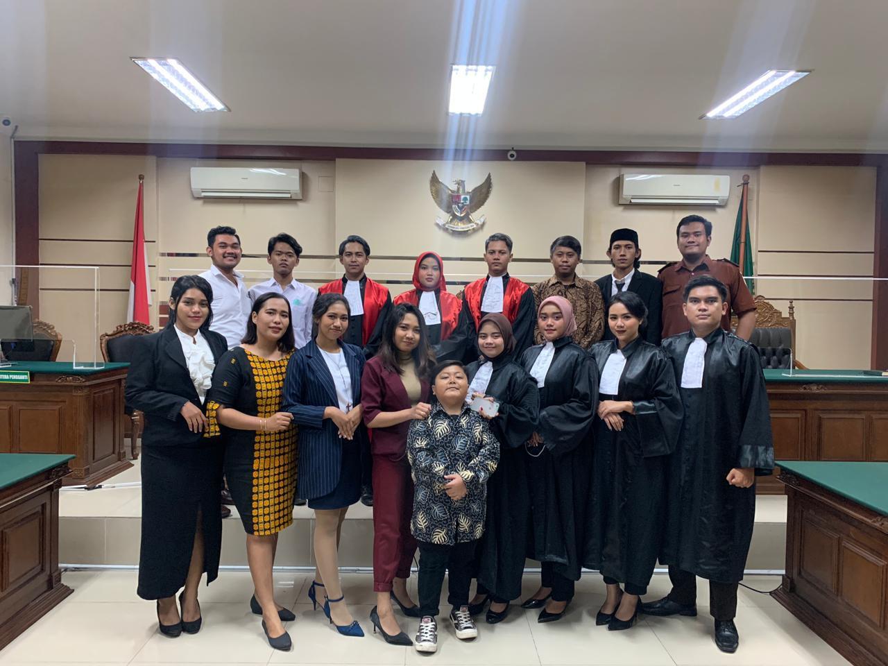 Mengasah Proses Berfikir Mahasiswa FH UBHARA Surabaya melalui Lomba NMCC TJOKORDA RAKA DHERANA VI