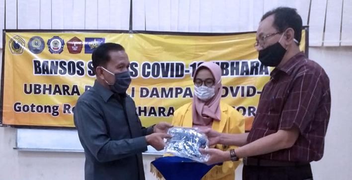 Ubhara Memberikan Bantuan kepada Mahasiswa yang terdampak COVID-19